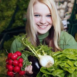 Model mit Gemüse