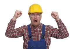wütender Bauarbeiter